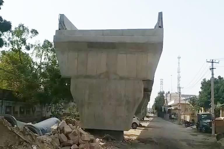 37 पिलर पर बनने वाले यह आरओबी दो साल से 8 पिलर पर था खड़ा, 24 माह बाद फिर काम शुरु होने की कवायद तेज जोधपुर,Jodhpur - Dainik Bhaskar