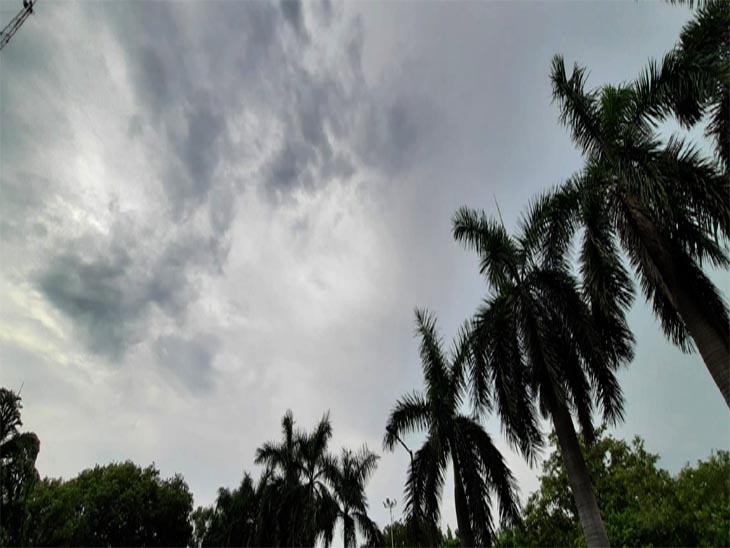 चंडीगढ़ मेंआज सुबह से बादल छाए और कई इलाकों में हो रहीरुक-रुक कर हल्की बारिश|चंडीगढ़,Chandigarh - Dainik Bhaskar