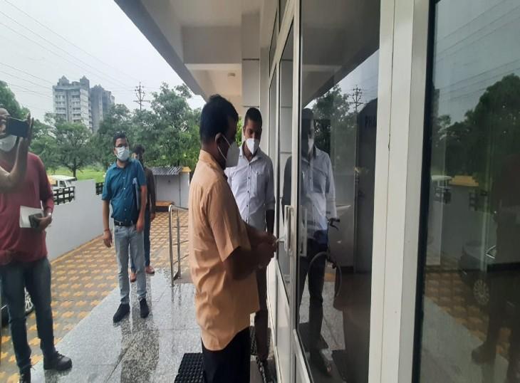 45 अस्पतालों पर छापेमारी के बाद 29 अस्पतालों को जारी की गई नोटिस,मंगलवार को 07 अस्पताल हुए सील|लखनऊ,Lucknow - Dainik Bhaskar