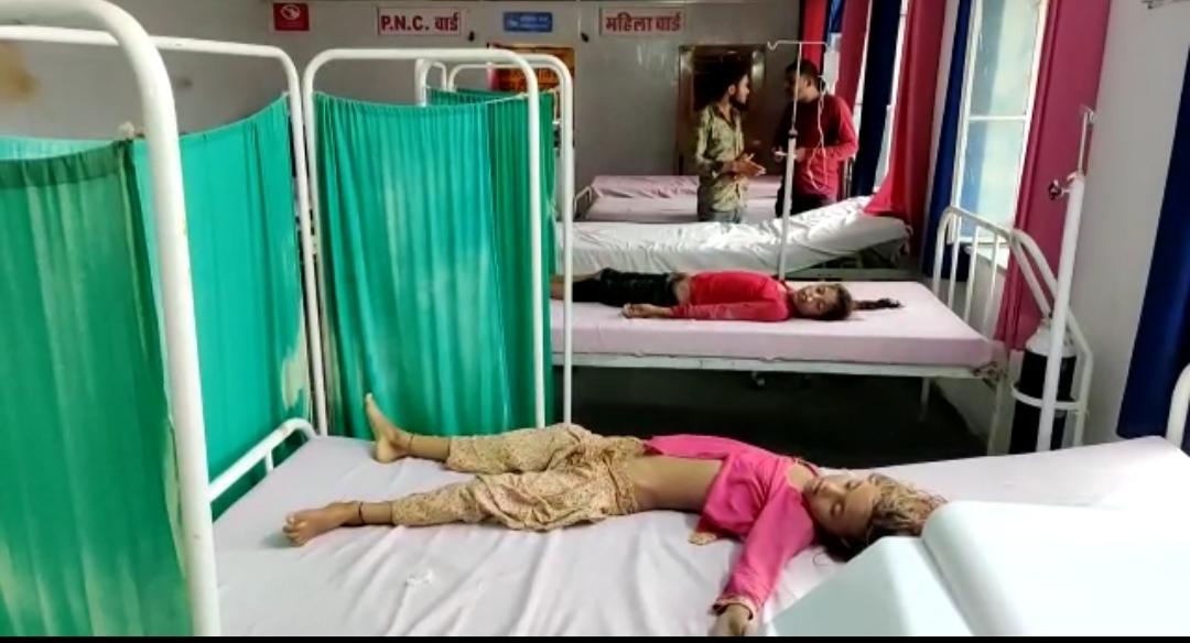 परिवार की 4 लड़कियां देवशयनी एकादशी पर पूजा के बाद पानी में गुड्डी विसर्जन के लिए उतरी थीं, 2 का पांव फिसला और चली गई जान|टोंक,Tonk - Dainik Bhaskar