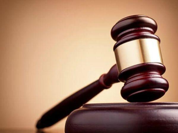 महिला से रेप कर हत्या करने और घर में लूटपाट करने वाले गुलाब नगर निवासी विनोद उर्फ मिठू और ऋषिपाल को कोर्ट ने उम्रकैद की सजा और 30-30 हजार रुपए का जुर्माना लगाया है। - Dainik Bhaskar