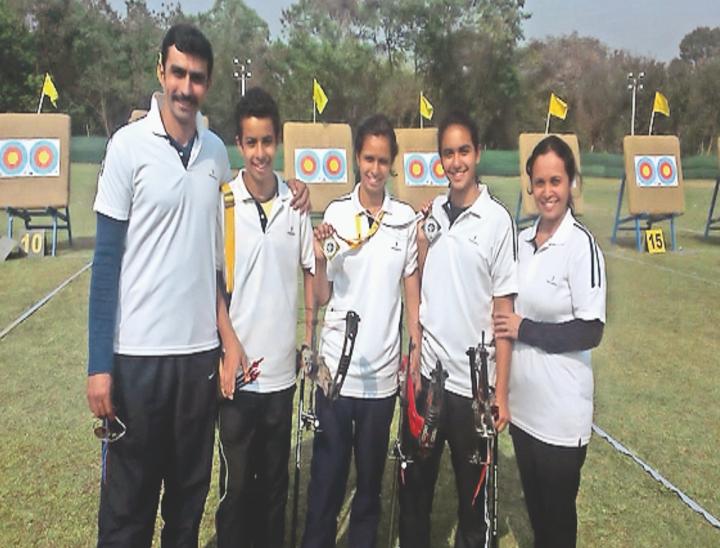 सेक्टर 13 के तीरंदाज जुड़वां भाई-बहन, दोनों ने मेडल भी बराबर जीते; दिव्या और दिग्विजय नेशनल लेवल पर 30-30 तो इंटरनेशनल लेवल पर 6-6 मेडल जीत चुके|हिसार,Hisar - Dainik Bhaskar