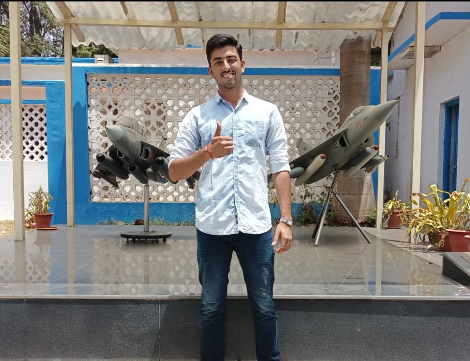 एयरफोर्स में जाने के लिए ऑल इंडिया हासिल की पहली रैंक, 9वीं बार में मिली सक्सेस, फ्लाइंग अफसर बनकर उड़ाएंगे फाइटर जेट कानपुर,Kanpur - Dainik Bhaskar