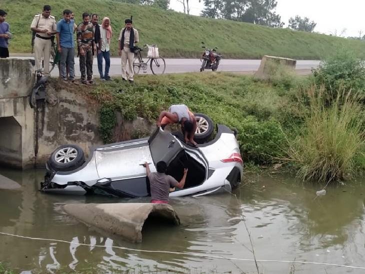 लेह-लद्दाख और वाराणसी घूमकर लौट रहे थे पांचों; पुलिया के नीचे गड्ढे में पलटी कार, सभी की मौत|कैमूर,Kaimur - Dainik Bhaskar