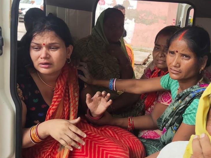 भोजपुर में खेत की सिंचाई करने गया था युवक; विद्युत प्रवाहित तार की चपेट में आने से युवक बुरी तरह झुलसा, रास्ते में ही मौत|भोजपुर,Bhojpur - Dainik Bhaskar