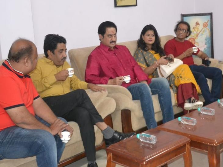 सुशांत राजपूत और राज कुंद्रा को लेकर कहा मीडिया ऐसी खबरें दिखाता है जो कि हमेशा पॉपुलर रहती|इंदौर,Indore - Dainik Bhaskar