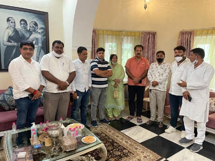धारीवाल से मिलने पहुंचे खाचरियावास, जोशी और कागजी को नहीं मिली खास तवज्जो; ज्यादा कमेटियां बनाने पर सहमत नहीं यूडीएच मंत्री|जयपुर,Jaipur - Dainik Bhaskar