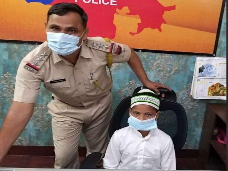यतीमखाने के 11 साल के फयाज काे CI की कुर्सी पर बैठाकर साैंपी थाने की जिम्मेदारी; फिर दी ईद की बधाइयां|अजमेर,Ajmer - Dainik Bhaskar