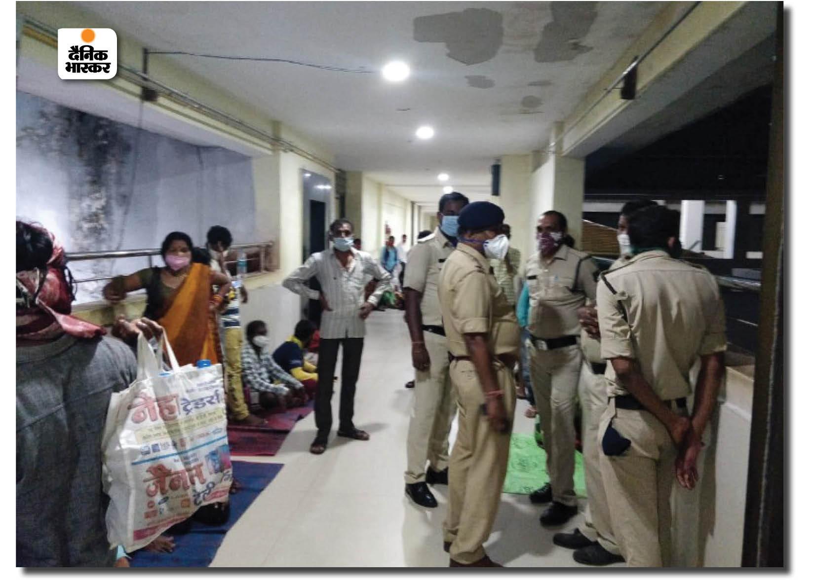 रायपुर जिला अस्पताल में बच्चों का ICU, जहां रात को 3 बच्चों ने एक एक करके दम तोड़ दिया।