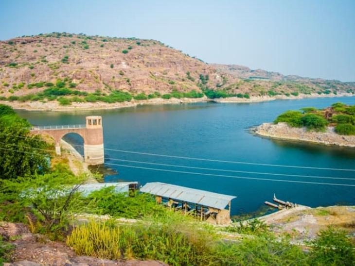 करीब दो-तीन किलोमीटर इलाके में फैले इस जल स्रोत में अक्सर आत्महत्या जैसी घटनाएं भी होती रहती है।