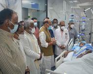 PGI लखनऊ में लाइफ सपोर्ट सिस्टम पर, गले से ट्यूब डालकर दी जा रही ऑक्सीजन; 16 दिन बाद फिर राजनाथ सिंह ने की मुलाकात|लखनऊ,Lucknow - Dainik Bhaskar