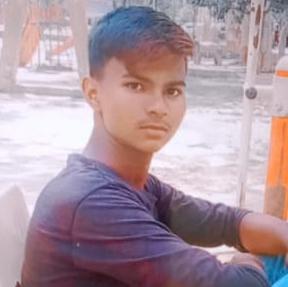 वरुण के परिजनों ने पड़ोसी पर लगाया हत्या का आरोप। - Dainik Bhaskar