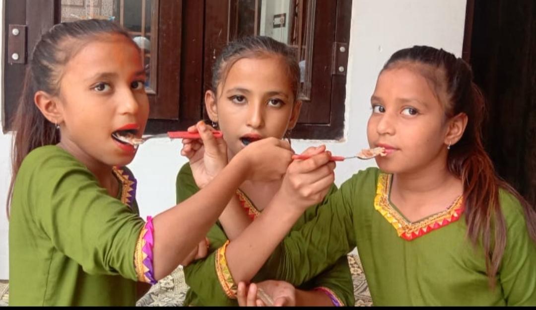 ईदगाह में इस साल भी सामूहिक नमाज नहीं हुई अदा, कोरोना का दिखा असर; लोगों ने घरों में नमाज अदा कर बांटी खुशियां|टोंक,Tonk - Dainik Bhaskar