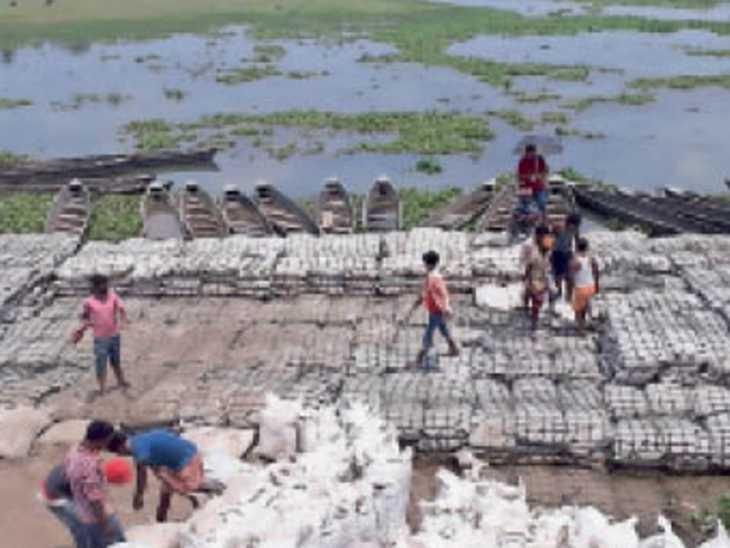 कोसी बराज के 56 में से 31 फाटक खोले, सुपौल के छह प्रखंडों में बाढ़ का खतरा|पटना,Patna - Dainik Bhaskar