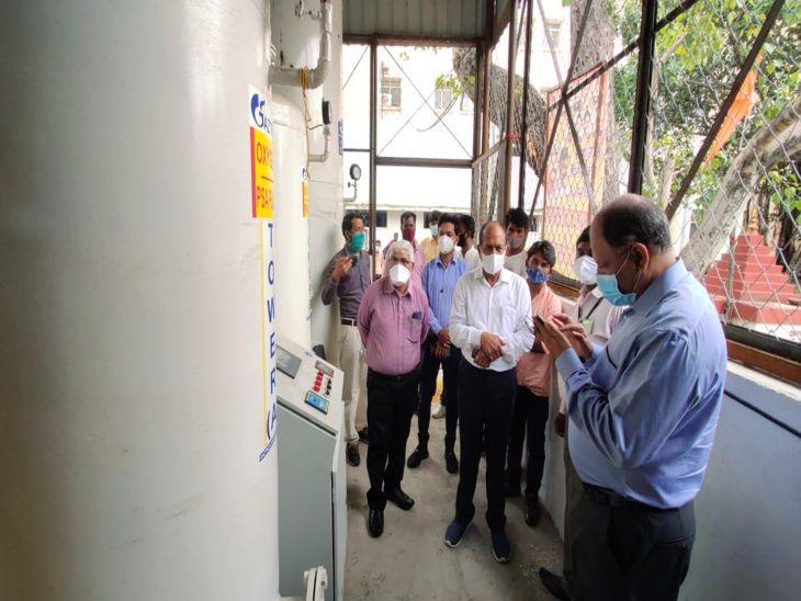 अफसरों नेे जाने 4 अस्पतालों के हालात, 20 में काम पूरा, 62 टन क्षमता के साथ ऑक्सीजन की सप्लाई शुरू|इंदौर,Indore - Dainik Bhaskar