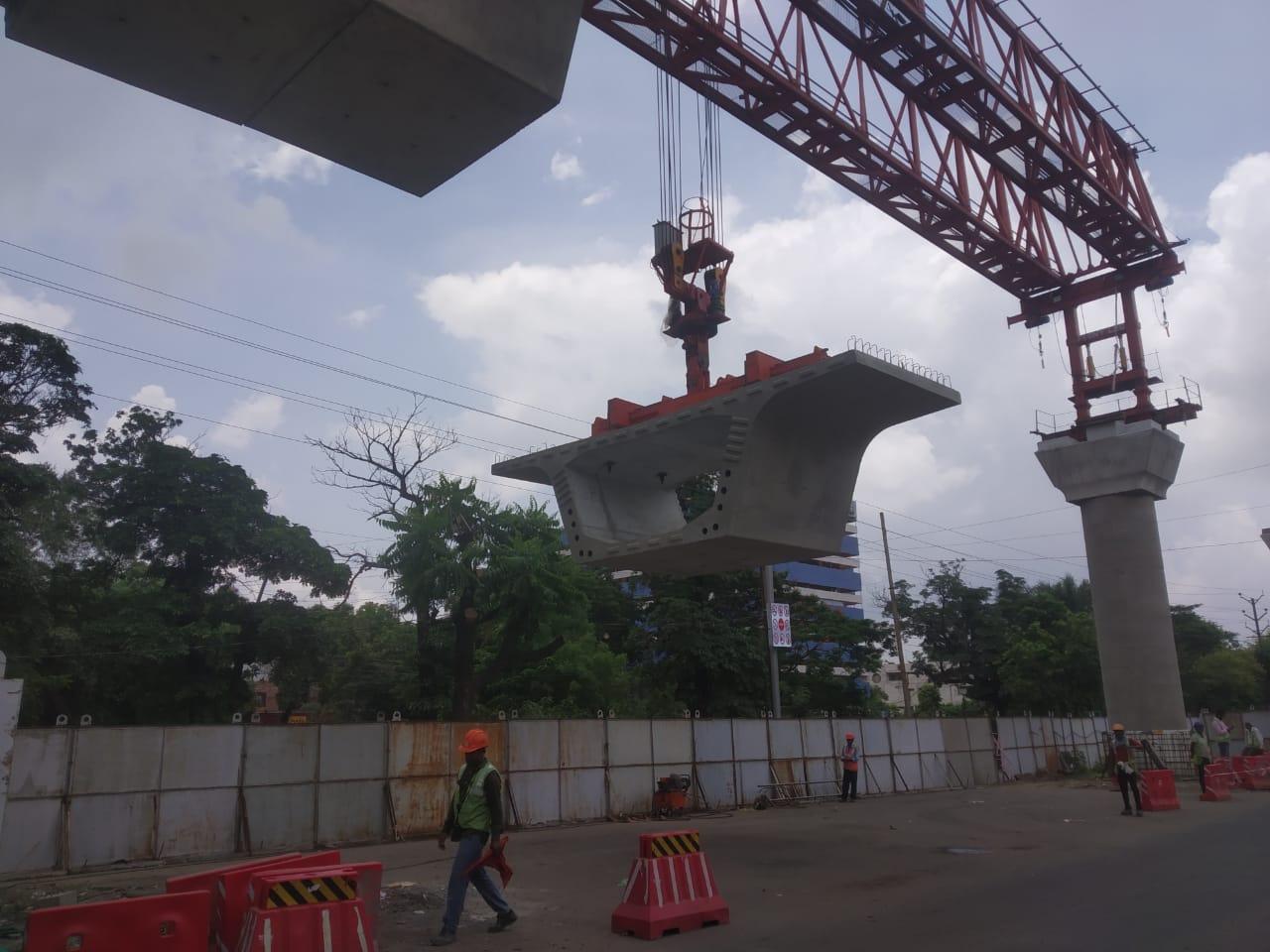 सुभाष नगर रेलवे फाटक से गर्वमेंट प्रेस तक गर्डर लॉन्चिंग का काम पूरा, अब एमपी नगर-हबीबगंज में शुरुआत|भोपाल,Bhopal - Dainik Bhaskar