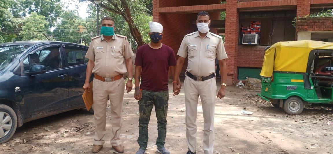 देसी कट्टा और जिंदा कारतूस बरामद; हत्या समेत कई आपराधिक वारदातें अंजाम दी थीं, जमानत पर बाहर था|चंडीगढ़,Chandigarh - Dainik Bhaskar