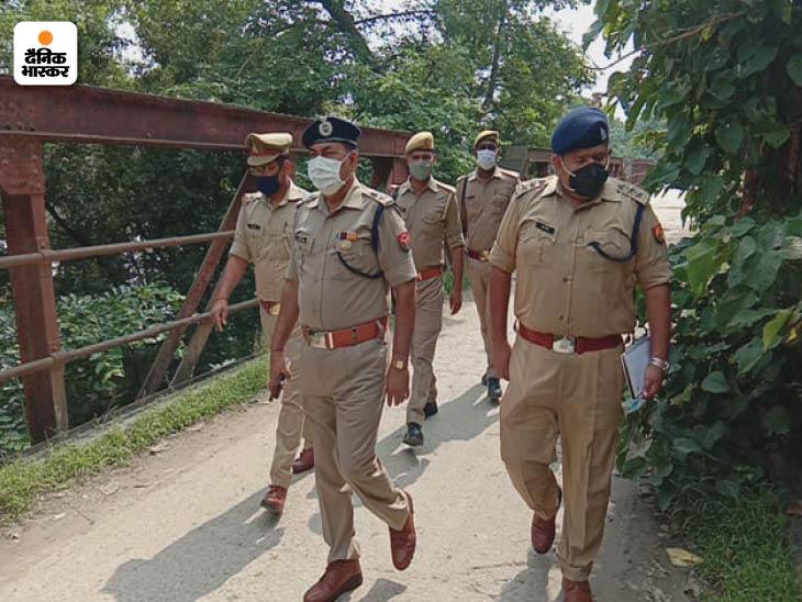मौके पर पहुंची पुलिस सीमा विवाद में उलझ गई। इस दौरान किशोरी का शव 3 घंटे तक रेलिंग से लटकता रहा।