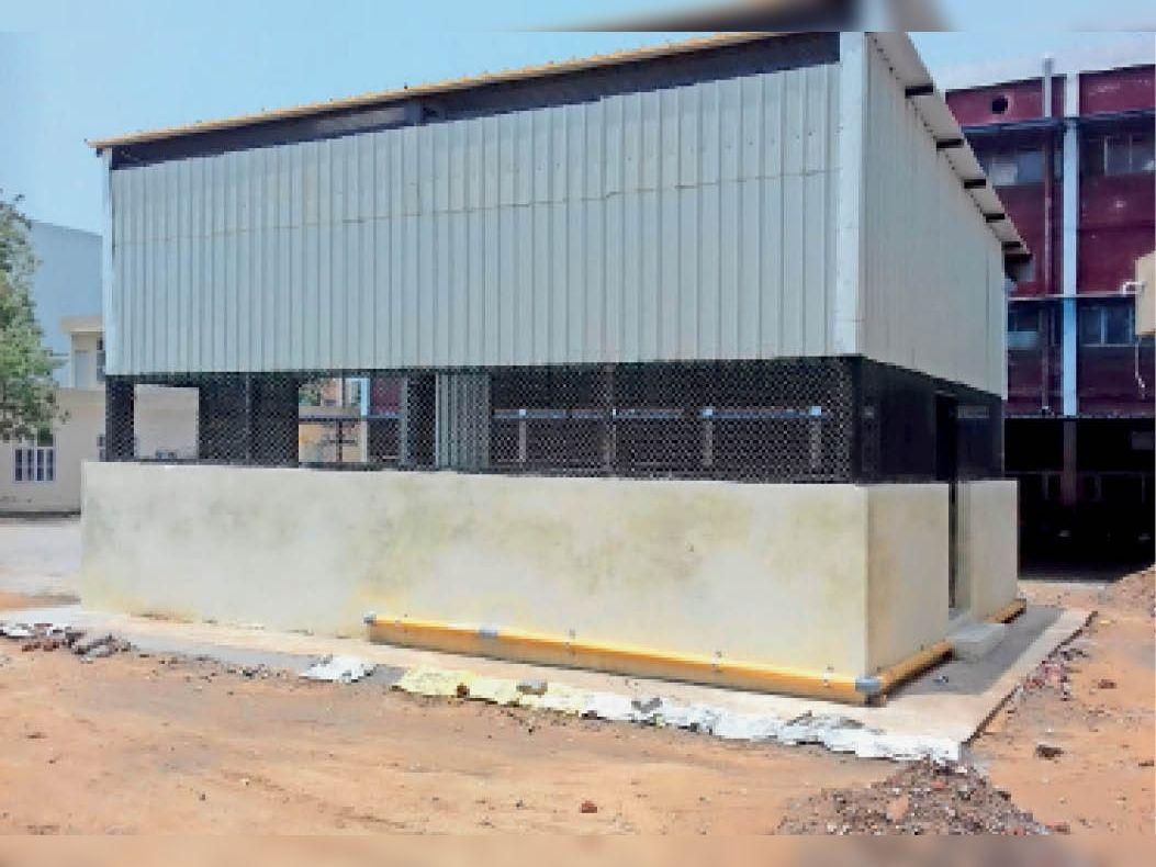 सिविल अस्पताल में आक्सीजन प्लांट लगाने के लिए तैयार हुआ कमरा। - Dainik Bhaskar