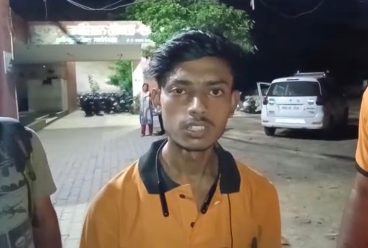 जालंधर में स्वीगी के डिलीवरी ब्वॉय से बिना पैसे दिए खाना छीना, बोला-अब फ्री देकर जा, गुस्से में उसका मोबाइल भी तोड़ा|जालंधर,Jalandhar - Dainik Bhaskar