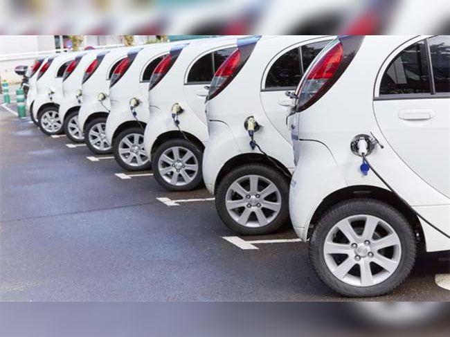 वाहनों की बैटरी क्षमता के अनुसार 20 हजार रुपए तक मिल सकेगी सब्सिडी। - Dainik Bhaskar