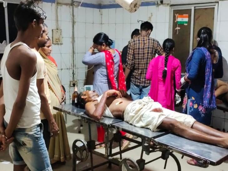 दो पक्षों के बीच आपसी विवाद में हुई फायरिंग, गोली लगने से एक शख्स जख्मी, अस्पताल में भर्ती|बिहार,Bihar - Dainik Bhaskar