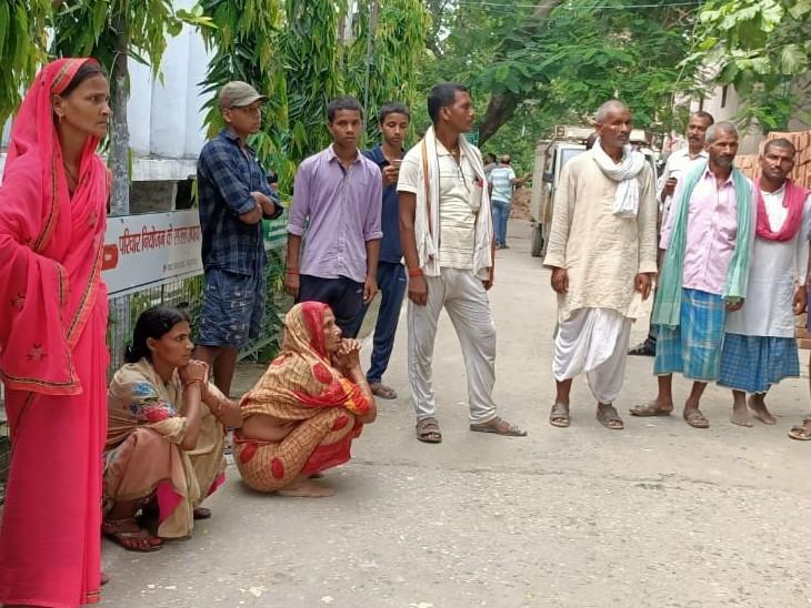 बेगूसराय के साहेबपुर में जमीन विवाद में भतीजा ने चाचा को मार डाला, हथियार लहराते हुए भतीजा फरार|बिहार,Bihar - Dainik Bhaskar