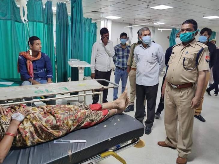 घायलों को सैफई अस्पताल में भर्ती कराया गया है।