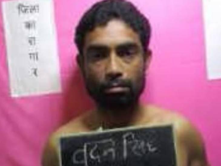 दोनों अपराधियों को एसएन मेडिकल कालेज ले जाया गया। वहां डॉक्टरों ने उन्हें मृत घोषित कर दिया।
