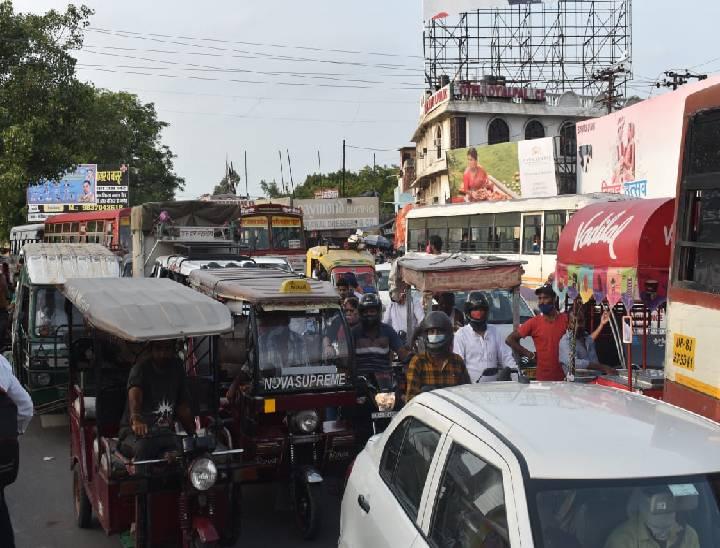 दिल्ली रोड पर सुबह से ही ट्रैफिक जाम में फंसे वाहन - Dainik Bhaskar