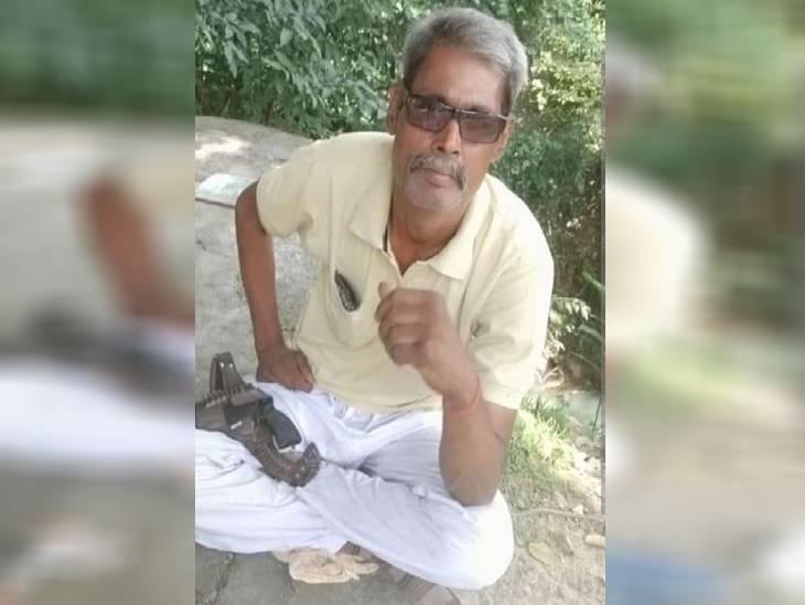 12 बोर की बंदूक से खुद को गोली मारी, रात 2 बजे आवाज से गूंजा मोहल्ला, अस्पताल में 3 घंटे बाद दम तोड़ा|रीवा,Rewa - Dainik Bhaskar