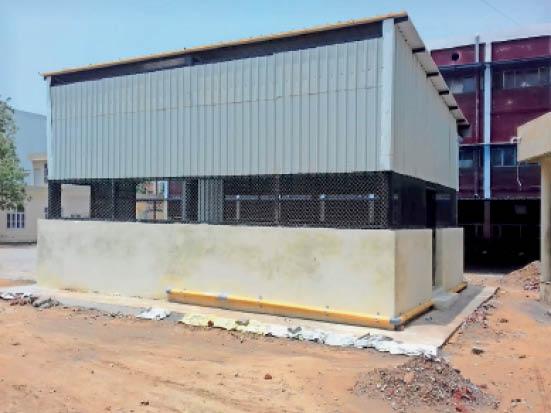 जींद. सिविल अस्पताल में आक्सीजन प्लांट लगाने के लिए तैयार हुआ कमरा। - Dainik Bhaskar