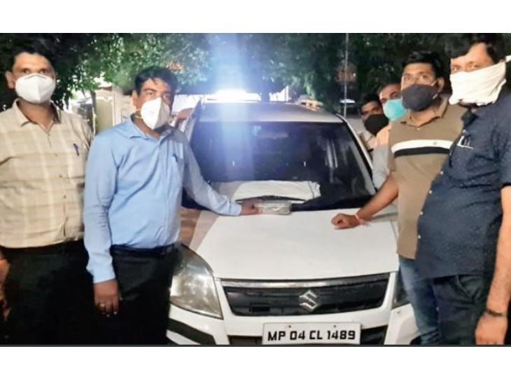 गाड़ी पर धूल, बाहर अखबारों का ढेर और घर की नाली सूखी देखकर समझते थे कि सूना है मकान|भोपाल,Bhopal - Dainik Bhaskar