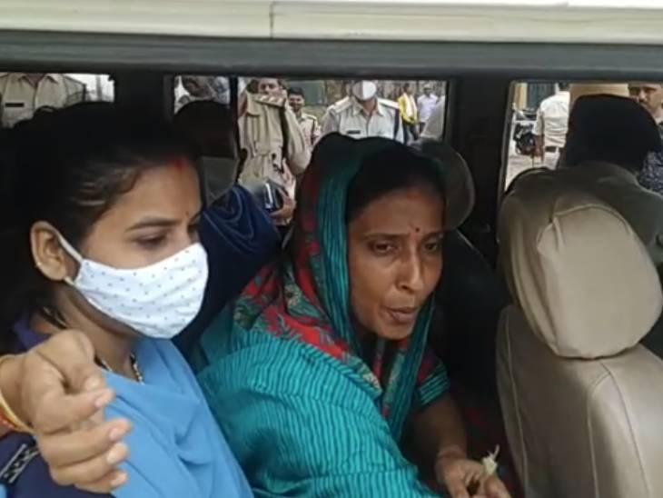 राजमाता पर पिस्टल तानने के आरोप में महारानी जीतेश्वरी देवी गिरफ्तार, बोलीं- महाराज की बीमारी का फायदा उठाकर साजिश के तहत कार्रवाई|जबलपुर,Jabalpur - Dainik Bhaskar