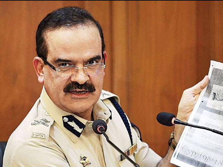 मुंबई के एक्स पुलिस कमिश्नर परम बीर सिंह पर एक्टॉर्शन मामले में रिपोर्ट दर्ज, बिल्डर ने 15 करोड़ रुपए मांगने का आरोप लगाया|देश,National - Dainik Bhaskar