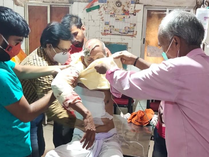 आरा में अनियंत्रित होकर पलटी सवारी गाड़ी, 8 लोग हादसे में घायल; संदेश बाजार से आरा जा रहे थे सभी लोग|भोजपुर,Bhojpur - Dainik Bhaskar
