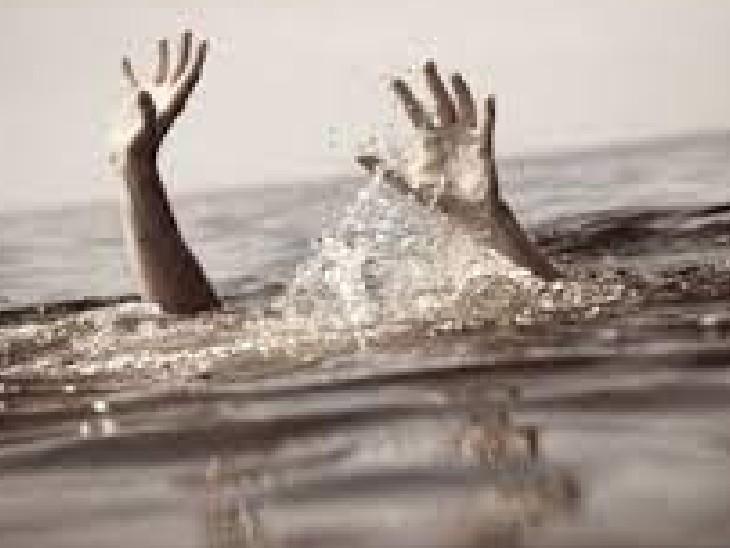 गया में रसुना आहर में डूबने से 12 साल के किशोर की मौत; आहर में उतराता मिला शव, हत्या की आशंका गया,Gaya - Dainik Bhaskar