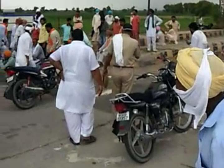 हनुमानगढ़ जिले  के पीलीबंगा में मक्कासर टोल नाके पर भाजपा कार्यकर्ताओं के विरोध के लिए जमा किसान। - Dainik Bhaskar