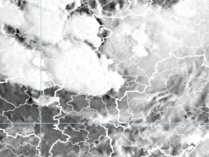 मौसम विभाग की ओर से जारी सेटेलाइट तस्वीरों में छत्तीसगढ़ में भारी वर्षा संभावित क्षेत्रों को देखा जा सकता है। - Dainik Bhaskar