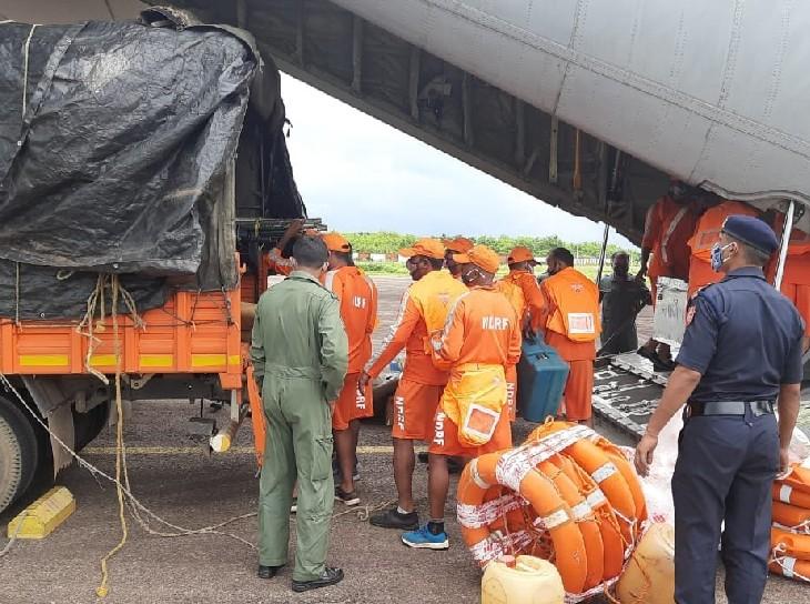 बाढ़ की आशंका को देखते हुए NDRF की 8 टीमें ओडिशा से पुणे पहुंची हैं।