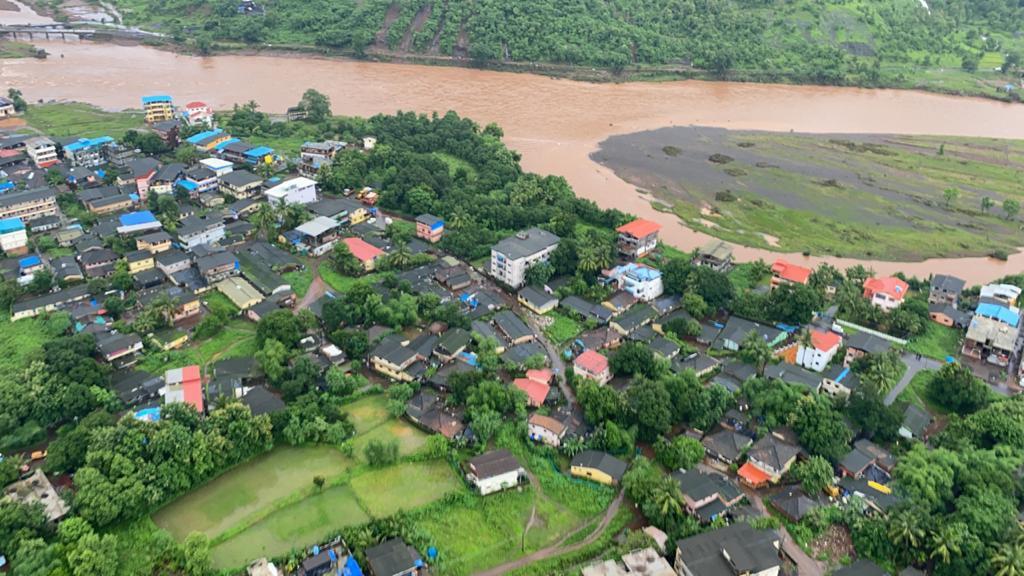 रायगढ़ की तस्वीर जहां भारी बारिश की वजह से ज्यादातर इलाके पानी में डूब गए हैं।