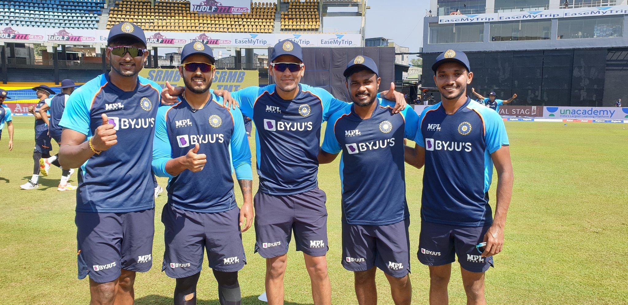 भारत के 5 डेब्यूटांट- (बाएं से) कृष्णप्पा गौतम, नीतीश राणा, राहुल चाहर, संजू सैमसन, चेतन साकरिया।