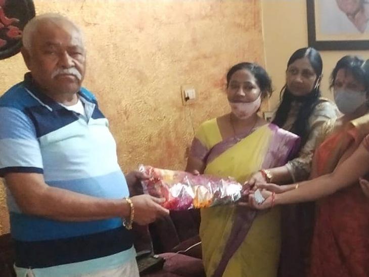 महिला शिक्षक संघ ने अफसरों से कहा- तुरंत काटें गर्भवती और दिव्यांग शिक्षिकाओं की ड्यूटी, पूर्व सांसद सर्वेश का दरवाजा भी खटखटाया|मुरादाबाद,Moradabad - Dainik Bhaskar