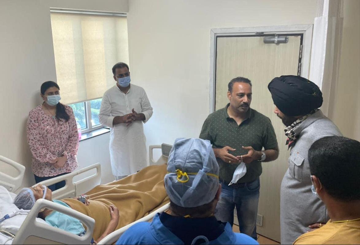 Navjot Sidhu arrives at Minister