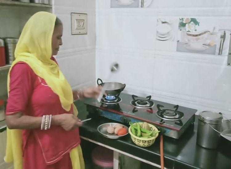 साल भर में दुगुने हो गए खाद्यान तेल के दाम, आमजन की रसोई पर सीधा असर पाली,Pali - Dainik Bhaskar