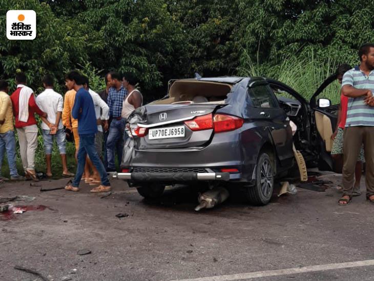 प्रतापगढ़ में भदोही से दो कारों में सवार होकर शनिवार की सुबह 5 बजे एक परिवार लखनऊ आ रहा था।