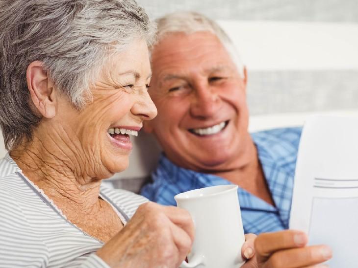 स्टडी में दावा- दूसरों के फायदे के मामले में बुजुर्ग तेजी से कौशल सीखते हैं, जबकि युवा तब ऐसा करते हैं जब उन्हें फायदा हो|विदेश,International - Dainik Bhaskar
