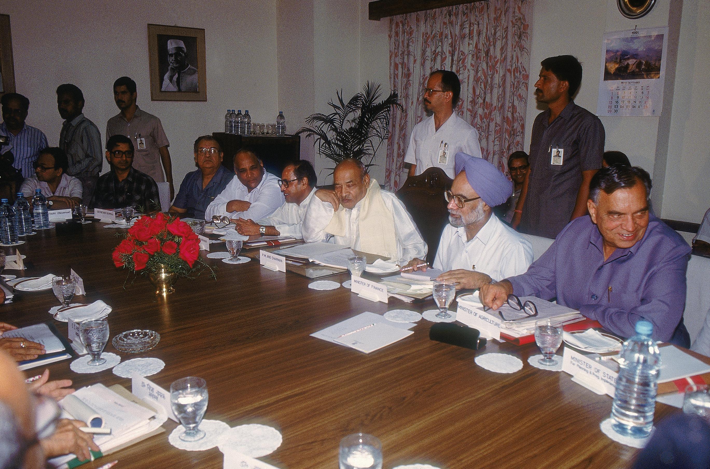 तत्कालीन वित्त मंत्री डॉ मनमोहन सिंह - फाइल फोटो