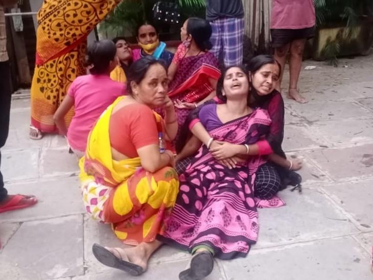 लकड़ी और बांस से बनी अंडर कंस्ट्रक्शन इमारत की लिफ्ट गिरी, 4 मजदूरों की मौत, 2 की हालत गंभीर देश,National - Dainik Bhaskar
