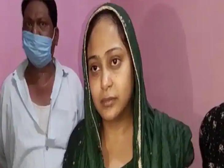 उत्तर प्रदेश के बरेली जिले में एक लड़की ने अपने दरवाजे से बारात लौटा दी, क्योंकि लड़के वाले दहेज की डिमांड कर रहे थे।